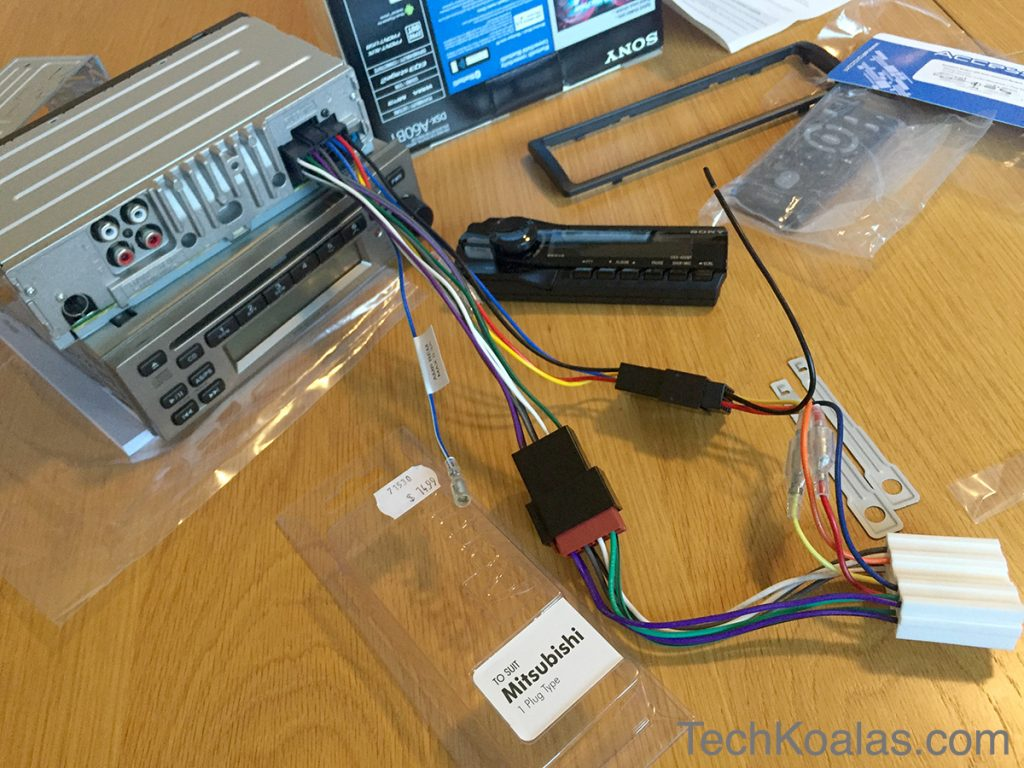 03-APP0111-wiring-harness-for-mitsubitshi-connected-to-Sony-DSX-A60BT