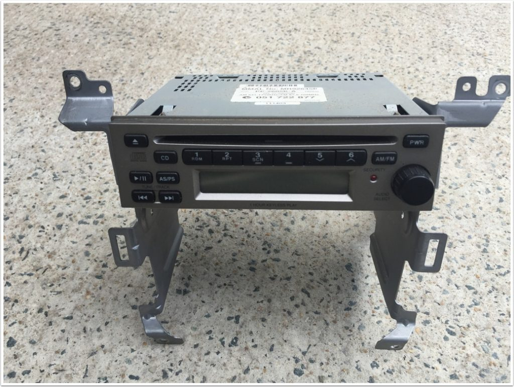 08b-oem-clarion-car-cd-player-with-brackets-attached