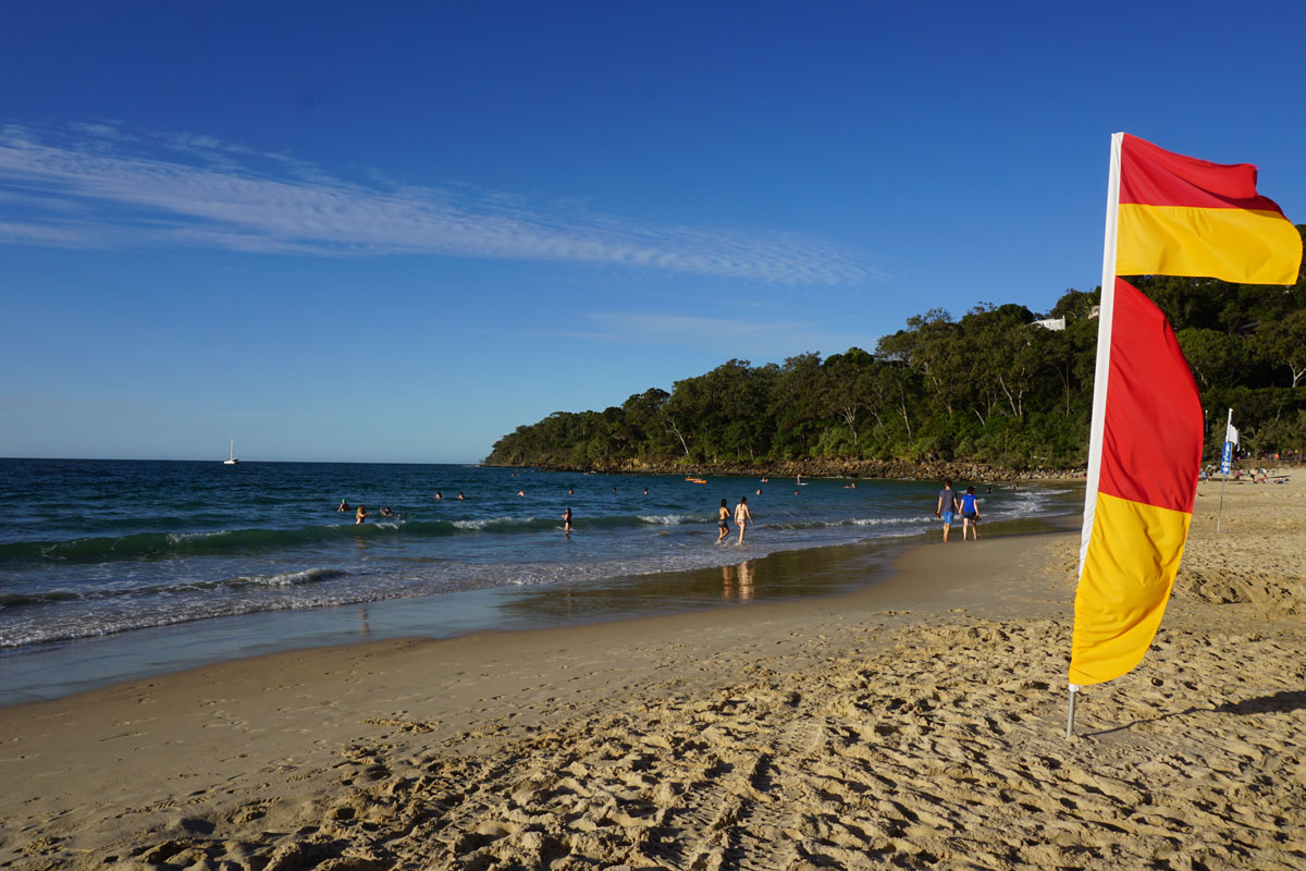 Photo of Optus vs. Telstra 4G internet speed on Noosa Beach