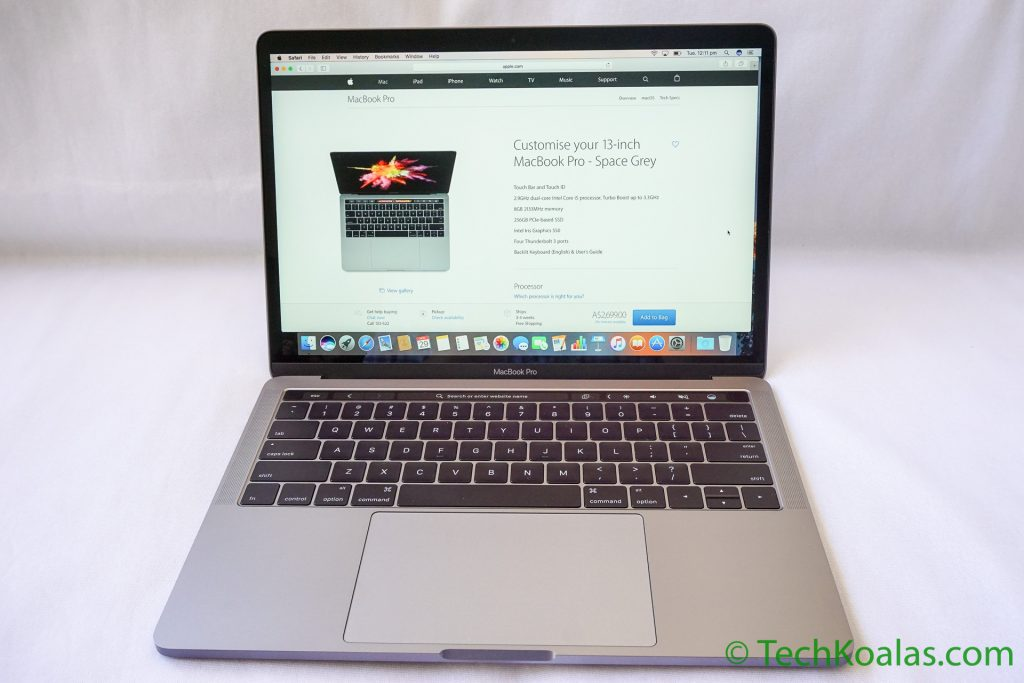 The new Apple MacBook Pro ready to work!